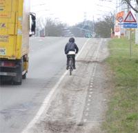 Cycliste_camion_recadre.jpg